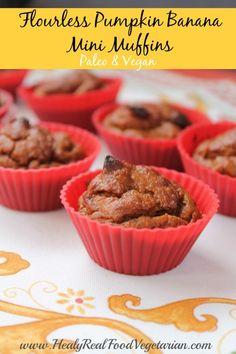 Pumpkin Banana Mini Flourless Muffins @ Healy Eats Real. Click here: http://www.healyeatsreal.com/pumpkin-banana-mini-flourless-muffins/ #flourlessmuffins #paleo #vegan