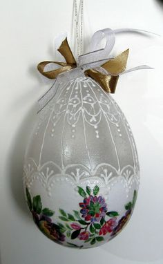 Artemysz zaprasza Christmas Bulbs, Holiday Decor, Home Decor, Decoration Home, Christmas Light Bulbs, Room Decor, Home Interior Design, Home Decoration, Interior Design