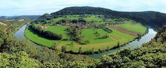 Belvédère du Saut de Gamache : vue sur le village d'Esnans dans la Vallée du Doubs près de Baume-les-Dames.