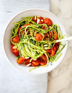 ZUCCHINI NOODLES WITH PESTO AND ROASTED TOMATOES via a house in the hills #raw #zucchini #pasta #noodles #health #healthy #eat #eating #food #recipe #dinner #meal