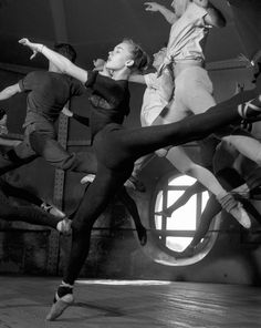 Robert Doisneau - - Course adage Opera, Paris, 1950 (part of 47 images by Doisneau that has never been published; found in the boxes of the Rapho Photo Agency in celebration of Doisneau's birthday) Robert Doisneau, Shall We Dance, Lets Dance, Foto Poster, Dance Movement, French Photographers, Dance Art, Photojournalism, Black And White Photography