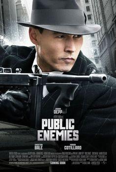 """『パブリック・エネミーズ』""""Public Enemies""""監督:マイケル・マン脚本:ロナン・ベネット、アン・ビダーマン、マイケル・マン2009年・米++++..."""
