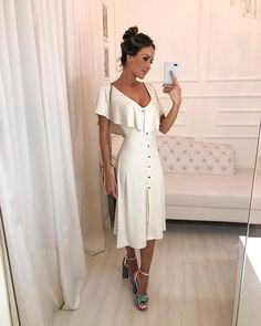 Pretty white dress with cute ruffled neckline. Classy Outfits, Trendy Outfits, Vintage Outfits, Cute Dresses, Casual Dresses, Short Dresses, Modest Fashion, Fashion Dresses, Dress Outfits