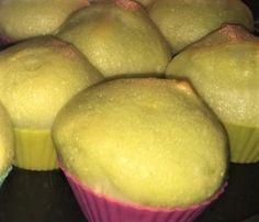nuvolette al limone : Ingredienti: (1 persona) - 3 Albumi - 1 Succo di limone - 1 Scorza di limone - 3 cucchiaini Zucchero - 1 Vanillina