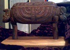 Koru Korua Tae - Custom Made Items, authentically handcarved & Tae Eke Aotearoa - Educational Resources Polynesian People, Polynesian Designs, Maori Art, Bone Carving, Moka, Making Out, Wood Crafts, Hand Carved, Hardwood