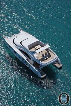 Sunreef 60 Power, un catamarán de lujo  Los 60 pies de eslora de este catamarán han conseguido, como todas las embarcaciones de Sunreef, un notable y espectacular éxito en la optimización del espacio habitable, siempre con la firme intención de ofrecer los más altos niveles de comodidad y estilo.  http://www.inmonova.com/blog/sunreef-60-power-un-catamaran-de-lujo/