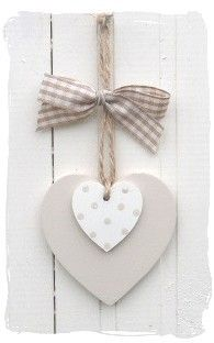 Wooden heart or clay decoration Wooden Hearts Crafts, Heart Crafts, Wooden Crafts, Clay Crafts, Diy And Crafts, Arts And Crafts, Heart Decorations, Valentine Decorations, Valentine Crafts
