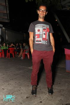 John Gonçalves no Circo Voador Sports, Mens Tops, T Shirt, Fashion, Te Quiero, Hs Sports, Supreme T Shirt, Moda, Tee Shirt