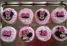 Hey, I found this really awesome Etsy listing at https://www.etsy.com/listing/268399216/minnie-mouse-oreos-mickey-mouse-oreos