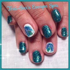 Peacock Feather - handpainted by TraiSeasEscape from Nail Art Gallery #nailart www.traiseasescapespa.com