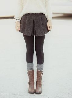 Socks, boots and leggings. Clothes Casual Outift for teens during summer spring winter outfit Fall Winter Outfits, Winter Wear, Autumn Winter Fashion, Winter Style, Autumn Style, Casual Winter, Looks Street Style, Looks Style, Pretty Outfits