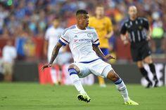 Ekpo Esito Blog: Chelsea sign Robert Kenedy from Fluminense