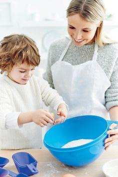 Tupperware UK multi purpose bowl for baking and cooking.