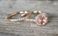 Morganite engagement ring (Credit: thediamondauthority.org)- SO BEAUTIFUL! I think I found my new favorite stone for a ring ❤️