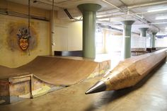 The City Museum in St. Louis is ever-changing urban playground/art installation/discovery center for all ages. Made of repurposed objects. Skateboard Ramps, Skate Ramp, Youth Center, City Museum, Play Houses, Building Design, Playground, Backyard, Indoor