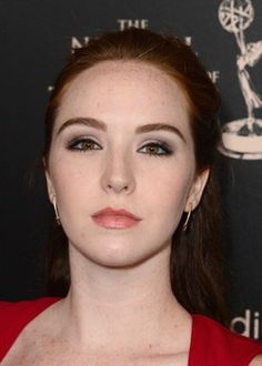 'The Young and the Restless': Cassie phantasm casts 'Dark Shadows' http://www.examiner.com/article/the-young-and-the-restless-cassie-phantasm-casts-dark-shadows