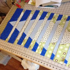 """I really like the math behind visual illusion quilts. I like that quilts look or """"hard to figure out"""". For that reason, I really enjoy the Ricky Tims' Conver Quilting Tips, Quilting Tutorials, Machine Quilting, Quilting Projects, Quilting Designs, Modern Quilting, Bargello Quilts, Scrappy Quilts, Mini Quilts"""