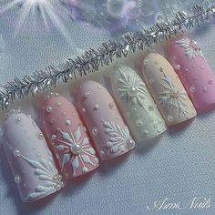 snow nails christmas winter manicure pastel Christmas Nail Designs, winter nails, Christmas nails, f Blue Nail Designs, Winter Nail Designs, Christmas Nail Designs, Acrylic Nail Designs, Acrylic Nails, Coffin Nails, Matte Nails, Stiletto Nails, Acrylics