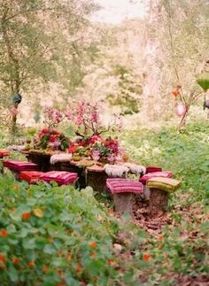 This Midsummer Night Dream inspired faerie party is simply beautiful and has so many breathtaking party ideas! ✨ Event designer and florist was Tricia Fountaine and images by Elizabeth Messina ✨