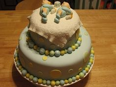 twins baby shower cake