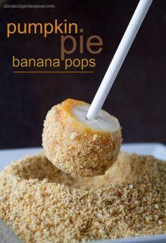 Pumpkin Pie Banana Pops Recipe  #ChiquitaCookingLab #MMLovesChiquita #spon