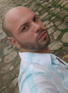 Paraty - RJ - Brazil. BEARD Bald STYLE