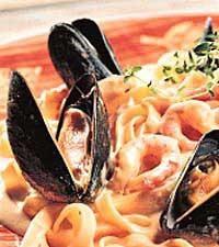 Pasta med musslor och räkor