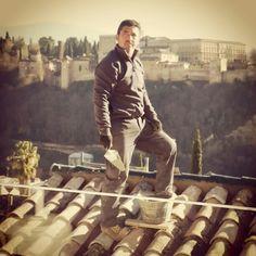 Stoic roofers of Granada