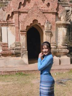 May Myint Mo - Myanmar Outfit Fashion in Bagan Myanmar Traditional Dress, Traditional Dresses, Burmese Girls, Myanmar Dress Design, Myanmar Women, Beautiful Asian Women, Beautiful Celebrities, Vintage Inspired Outfits, Sexy Asian Girls