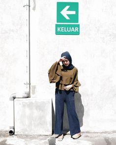 Modern Hijab Fashion, Street Hijab Fashion, Hijab Fashion Inspiration, Muslim Fashion, Fashion Pants, Fashion Outfits, Womens Fashion, Casual Hijab Outfit, Hijab Chic