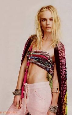 Kate Bosworth #rmresortinspiration. Re-pinning: pink linen pants! Ohh, I want these for the beach and cruise action.