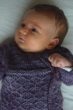 Kyoto crossover wrap cardigan - knitting pattern (en) - Englische Strickanleitungen bei Makerist