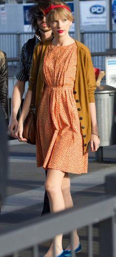 Diện cardigan kiểu 'công chúa' Taylor Swift