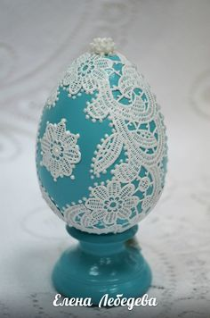 1 million+ Stunning Free Images to Use Anywhere Quilted Ornaments, Beaded Ornaments, Holiday Ornaments, Egg Crafts, Easter Crafts For Kids, Diy And Crafts, Egg Shell Art, Edible Lace, Lace Painting