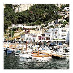 Lunchtime Dreaming ⚓️💙🐟⚓️💙🐟⚓️💙🐟 #Croatia #Italy #Positano #Amalfi #split #hvar #travelinspo #wanderlust #travel #europesummer #mykonos #santorini