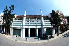 One of the earliest mosque located in Singapore. Find out its history by contacting our chauffeur at http://www.singaporecitytour.com.sg/