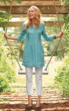 Linen Tunic and Denim Crops one of my new spring outfits Modest Pants, Modest Outfits, Modest Fashion, Casual Outfits, Cute Outfits, Gothic Fashion, Fashion Black, Kaftan, Linen Tunic