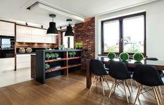 drewniana podłoga w kuchni