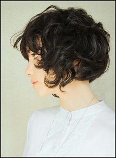 bob short curly hair