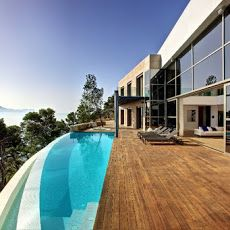 Spectacular and majestic luxury Villa in the north of Mallorca, a place where you can live around the most beautiful views to the sea and pure nature.
