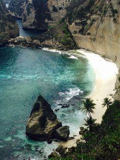 Nusa Penida, Bali, Indonesia Pinterest // @chelseakhaila