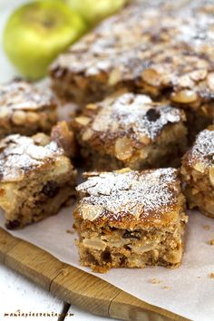 Apple Cake Recipes, Food Cakes, Banana Bread, Food And Drink, Chocolate, Baking, Sweet, Food Ideas, Fit