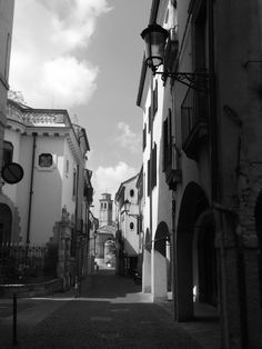 via Rudena - padova - black and white - photo by Annalisa Andrigo - italian towns