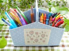 Artesanato com caixa de leite:  Aprenda a fazer um charmoso porta lápis reaproveitando caixinhas de leite. Veja como é fácil! - Veja mais em: http://www.vilamulher.com.br/artesanato/passo-a-passo/artesanato-com-caixa-de-leite-porta-lapis-20724.html?pinterest-mat