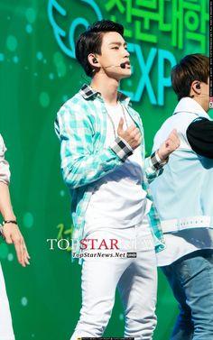 [PRESS] 2014.07.17 — GOT7 @ 'K.Will's YoungStreet' Open Concert: 2014 Korea College EXPO © TOPSTARNEWS.NET