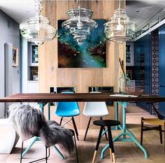 Eclectic design done to perfection with wonderful colour palette and gorgeous lighting- Neverending Glory Pendant Lights via @alexandraposterbennaim