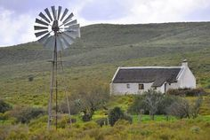 . Building Painting, House Painting, Abandoned Houses, Abandoned Places, Pioneer House, African House, Old Windmills, Best Barns, Old Farm Houses