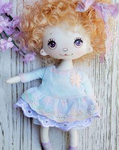 Such a tender girl was born .. love love her She is looking for home for adoption $55 shipping. Order in Direct #shopsmall #handmadedoll #handmadegifts #giftforgirl #gifts #textileartist #textiledoll #artdoll #cutedoll #tenderdolls #dollfriends #shophandmade #buyhandmade #violetdoll #springdoll #fabricdoll #dolly #puppa #minidoll #dreamdoll #dollmaking #dollartist #dollmaker #nevadacitycraftfair #firstfriday #fountainsatroseville #sanfranciscoartist #sanfrancisco