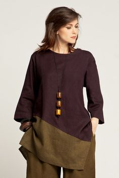 ~ Living a Beautiful Life ~ I imagine this is the kind of look that could work in numerous contexts. Nagano Tunic in Aubergine/Thyme Roma. Sewing Clothes, Diy Clothes, Clothes For Women, Look Fashion, Fashion Outfits, Womens Fashion, Fashion Design, Vetements Clothing, Schneider