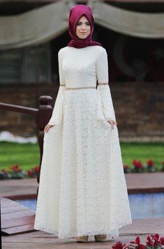 Nur Elbise - Ekru - Nurkombin Source by nazancecenn bonitos Islamic Fashion, Muslim Fashion, Modest Fashion, Fashion Dresses, Modest Dresses, Simple Dresses, Elegant Dresses, Casual Dresses, Beautiful Dress Designs